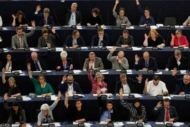 Lo hizo con 429 votos a favor, 225 en contra y 19 abstenciones