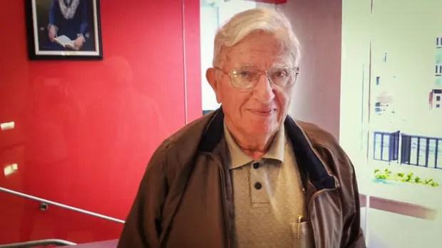 El historiador Robert A. Potash, en UMass Amherst, en 2014