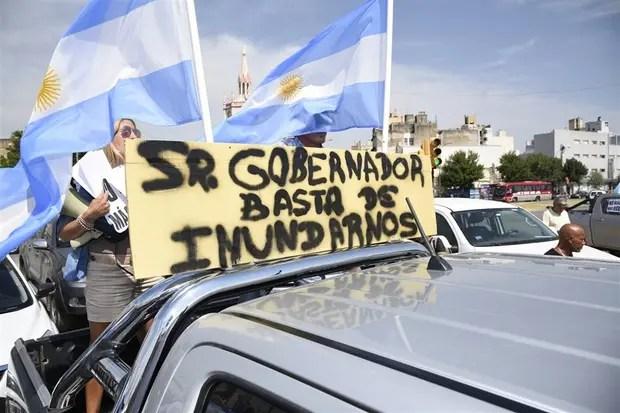 Protesta de productores en camionetas