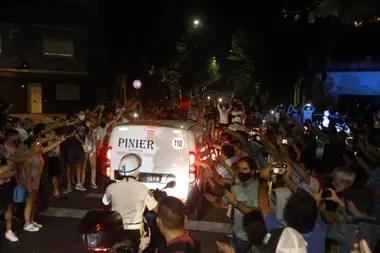 El cuerpo de Maradona, trasladado a la Casa Rosada en medio de un fuerte operativo de seguridad