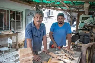 """""""Me escriben muchas consultas y mensajes felicitándome hasta de países vecinos, como Brasil y Uruguay"""", dice Cortez, quien recibe ayuda de sus hijos en su emprendimiento"""
