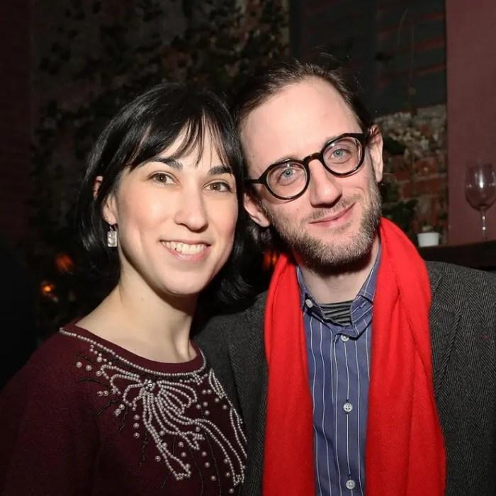Etty con Luzer Twersky, que dejó la comunidad ortodoxa para ser actor. También aparece retratado en el documental One of Us.