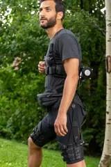 El exotraje permite caminar y correr más sin que resulte pesado cuando no se usa