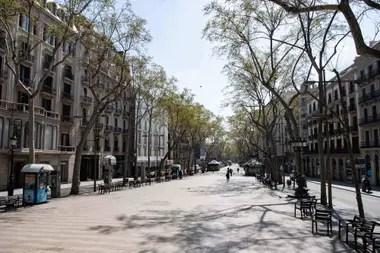 Las calles vacías de Barcelona en plena cuarentena por coronavirus