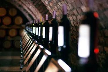 Las bodegas piden que se descongelen los precios de los vinos de alta gama