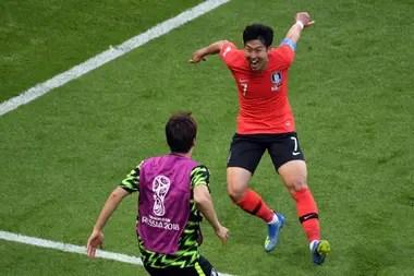 Son Heung-Min festeja su gol frente a Alemania