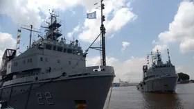 Los buques de la Armada controlan las aguas territoriales
