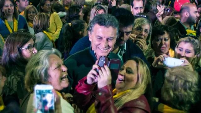 Macri se fotografió ayer en San Martín