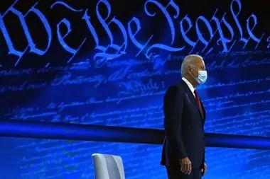 El candidato presidencial Joe Biden entrevistado por ABC en Filadelfia