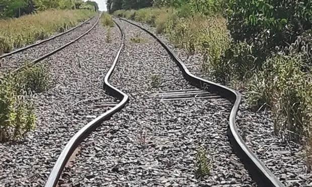 Las altas temperaturas dilataron las vías de la Línea Sarmiento, que se doblaron a la altura de la localidad de Gowland, en el partido de Mercedes