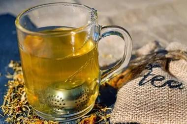 Los tés de hierbas ayudan a bajar la panza, especialmente los de malva y los digestivos