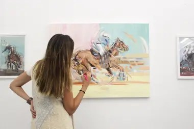 The U-30 artist who triumphs in New York with her polo paintings