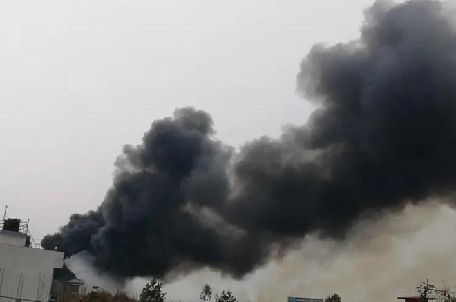 Gran cantidad de muertos al estrellarse un avión de pasajeros en Nepal
