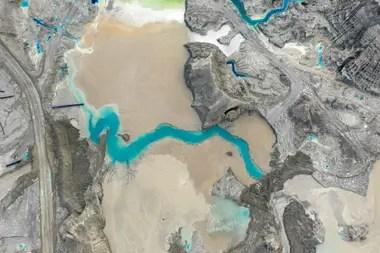 Sobre una superficie de 17.000 hectáreas sobre el lecho del río Pupío y un muro de contención de más de 200 metros de altura
