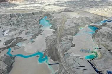 Son la otra cara de la minería: centenares de embalses o depósitos con la tierra que se desecha de la extracción del cobre