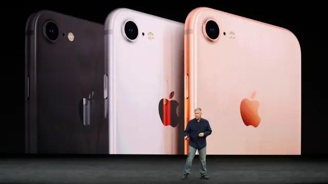 Los nuevos colores del iPhone 8, en la presentación de Phil Schiller