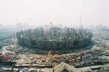 El primer gran estadio con el que asombró China es el Nido de Pájaro, levantado para los Juegos Olímpicos Pekín 2008.