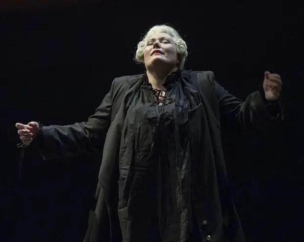 La soprano Carla Filipcic Holm, como Laonora/Fidelio, se roba el espectáculo