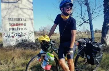 Antes de emprender viaje, Austin trabajaba para el Departamento de Vivienda y Desarrollo Urbano