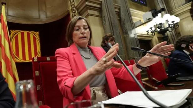 La presidenta del Parlamento de Cataluña, Carme Forcadell, en la sesión del Parlamento regional catalán en Barcelona