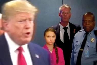 Greta mira a Trump durante una conferencia de prensa en las Naciones Unidas; el presidente de EE.UU. suele criticarla en Twitter