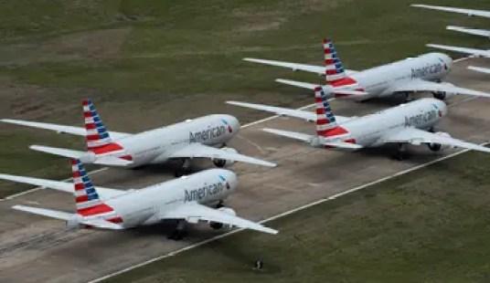 Aviones en tierra, una de las postales de la pandemia.