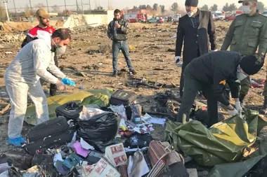 Así quedó el Boeing 737-800 en Teherán, luego de estrellarse al despegar