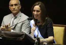 Vidal es criticada por las medidas laborales que implementa en la provincia