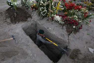 Más de 99.500 muertos en México