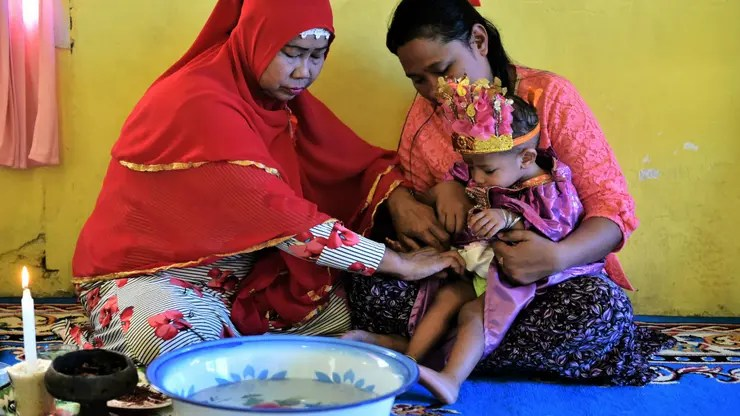 Ceremonia de ablación en Indonesia