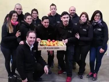 Uno de los modelos de gestión sustentable es el proyecto de frutas de En Buenas Manos, que emplea a 20 personas con problemas auditivos