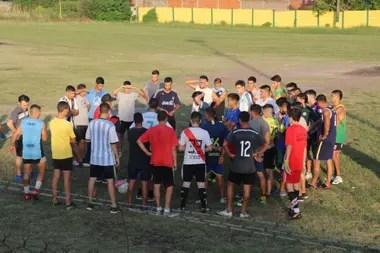 Marcos Rojo, en el plantel de su nuevo equipo