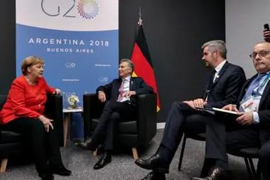 La canciller alemana, Angela Merkel, el presidente Macri; el jefe de Gabinete, Marcos Peña, y el canciller Faurie
