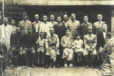 Una foto antes de irse a la guerra