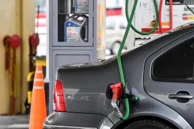 La caída de la demanda de combustibles todavía está un 30% por debajo de los niveles prepandemia