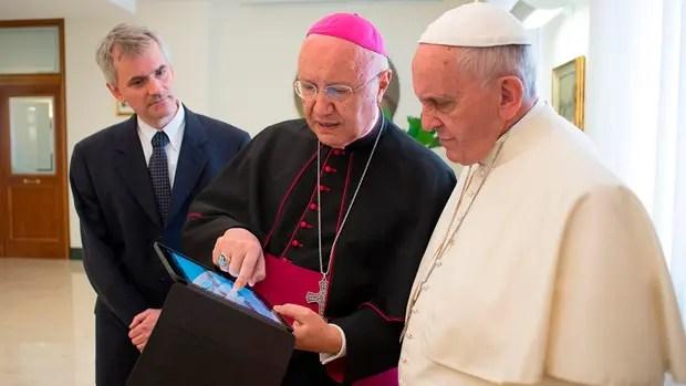 Arzobispo Celli y Papa Francisco
