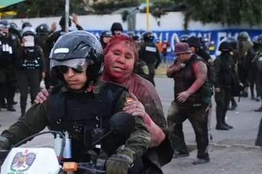 La mujer fue rescatada por la policía boliviana tras ser obligada a declarar a la prensa, aún retenida por los secuestradores