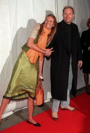 Con la supermodelo australiana Elle McPherson, con quien convivió durante un tiempo en 1996