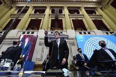 Sergio Massa, presidente de la Cámara de Diputados, durante la sesión en la que dieron media sanción al presupuesto 2021