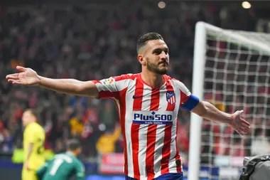 Koke, capitán del equipo colchonero, celebra su gol