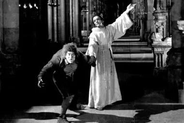 El jorobado de Notre Dame, con Charles Laughton (1939)