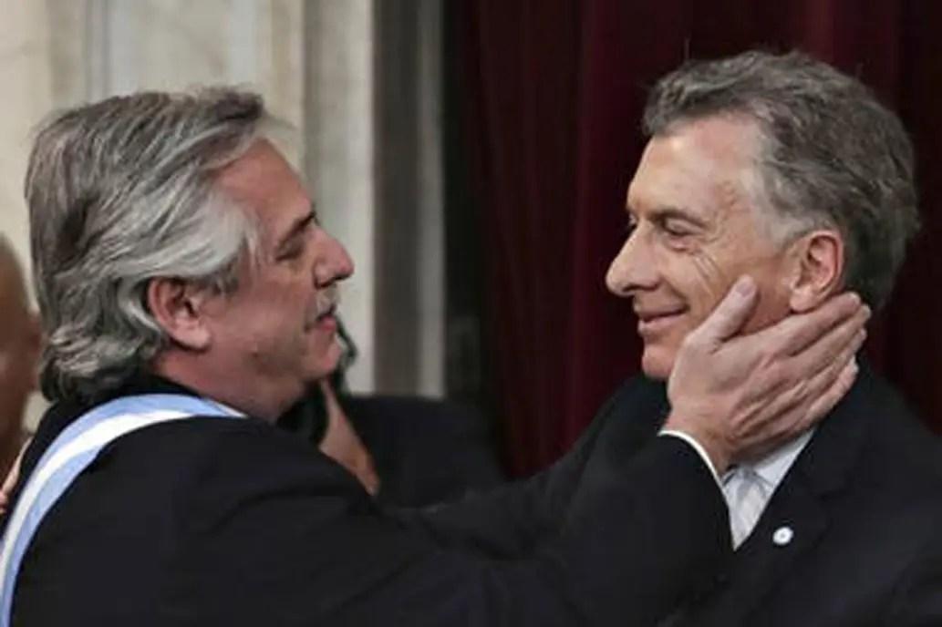 La denuncia de Alberto Fernández por la deuda: el equipo económico de Mauricio Macri cree que es una jugada política