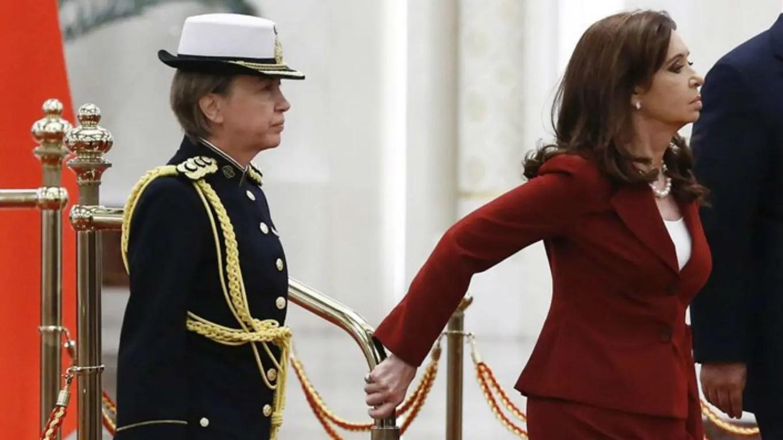 Pansa, edecana de Cristina Kirchner, en un viaje oficial a China. vía La Nación (Archivo).