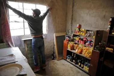 Los comercios dentro del barrio también se vieron afectados por el encierro