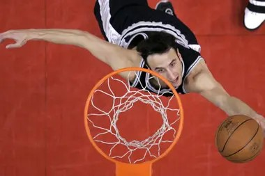 2006, Manu ante Los Angeles Clippers