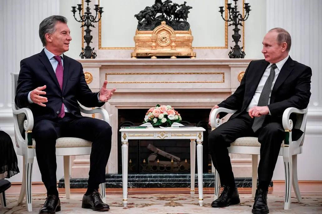 El Presidente mantiene un encuentro con su par ruso en el Kremlin