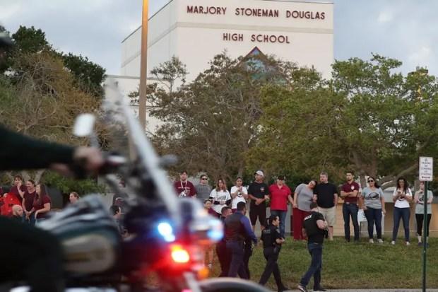 Catorce días después, los alumnos de la masacre de Parkland volvieron a clase