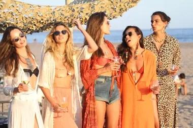 La ex ángel de Victoria Secret viajó desde Florianópolis a Uruguay en un avión privado junto a otras modelos amigas