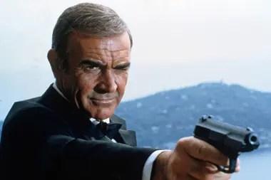Sean Connery, en su rol emblemático de 007