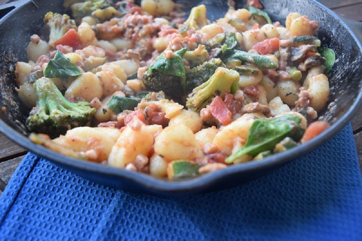 one pan veggie skillet gnocci